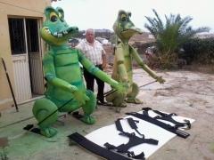 Mascota cocodrilo. Marioneta gigante.