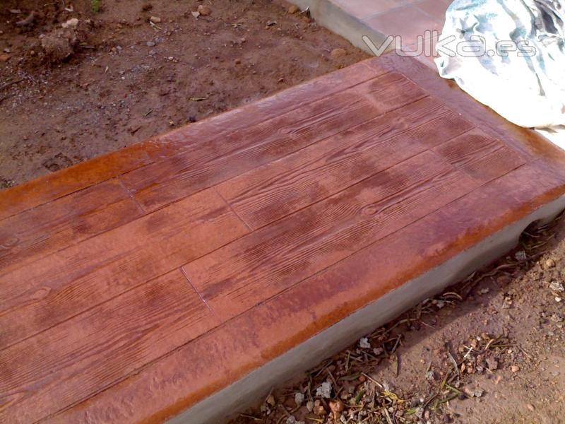 Hormigon impreso pavimentos del olmo for Pavimento imitacion madera