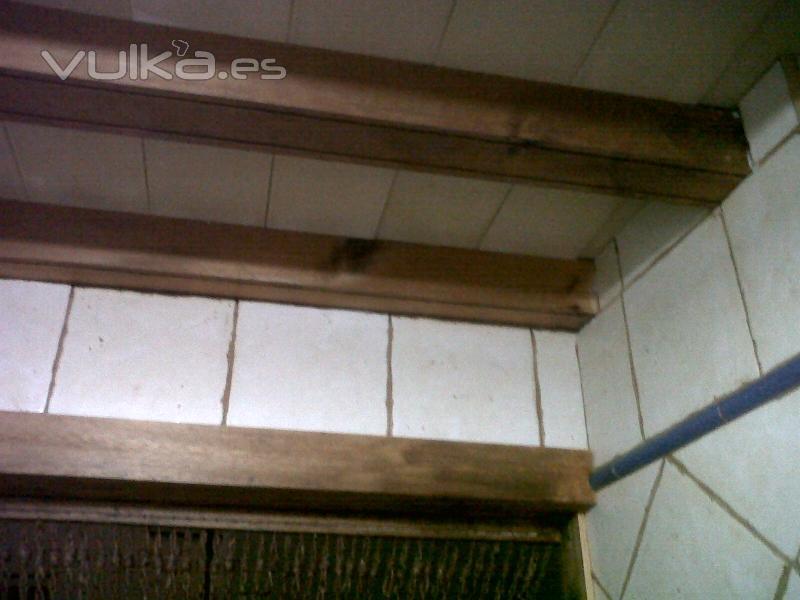 Foto techo registrable con vigas de madera y ladrillo de soleria repar2000 - Vigas madera techo ...