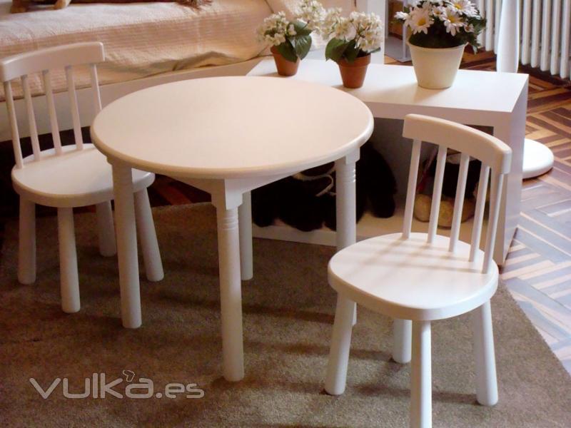 Foto mesa y sillas infantiles modelo tur n lacado - Sillas y mesas infantiles ...