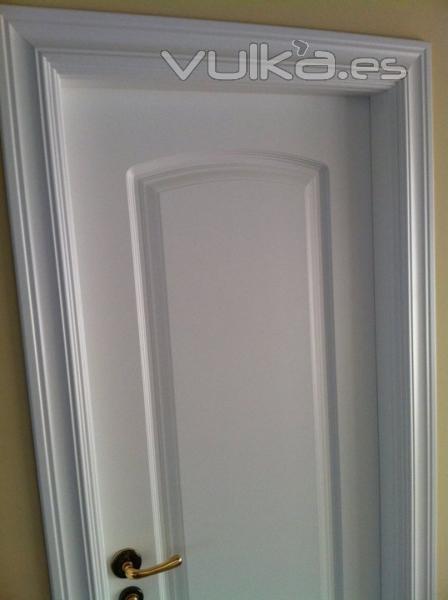 Foto puerta lacado en blanco satinado lacado en la obra - Precio lacar puertas en blanco ...