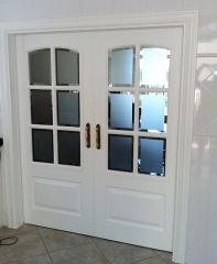 Lacado en blanco-satinado,  en puertas y marcos (lacados en la obra)