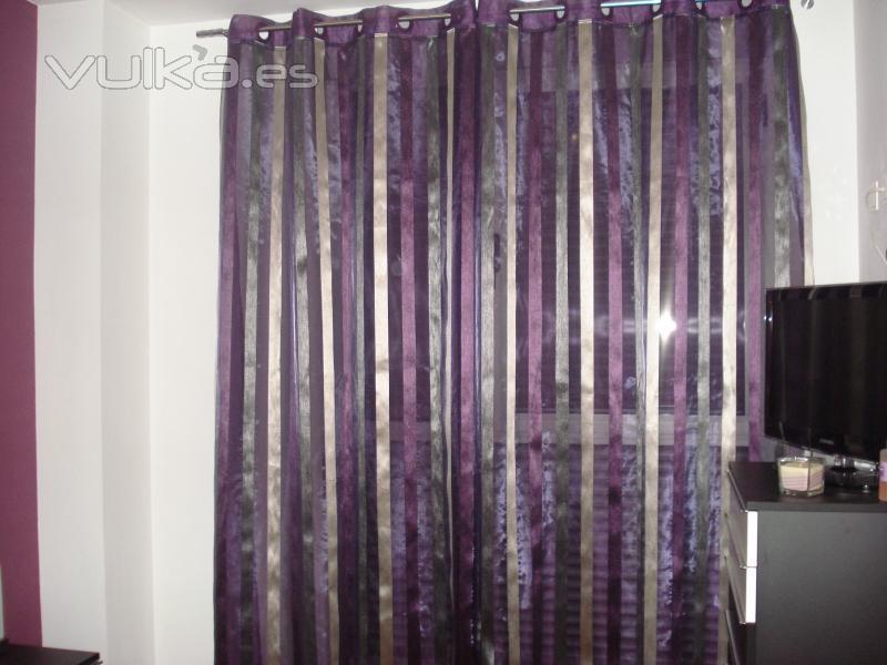 Foto dormitorio cortina organza forrada fantasia listas for Cortinas de argollas