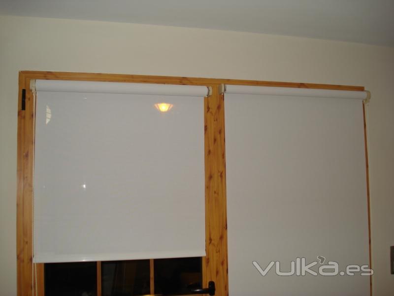 Foto cocina stores enrollables screen ajustados al for Stores de cocina