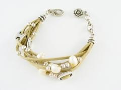Todo tipo de pulseras en perlas y piedras naturales