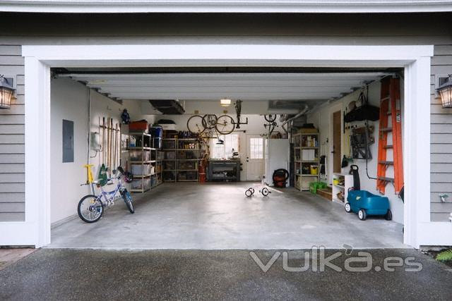Foto modelo de puerta de garaje for Modelos de puertas de garaje