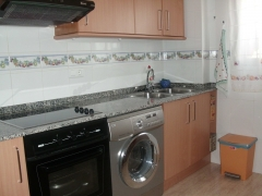 Rossell - Piso 90 M2. 3 habit., baño, trastero, parking, impecable. Oportunidad..95.000 euros