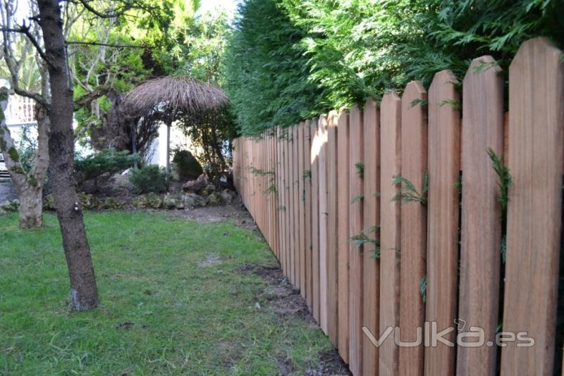 Foto cercas de madera en cantabria for Cercados jardin