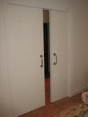 Puerta de corredera lacada en blanco