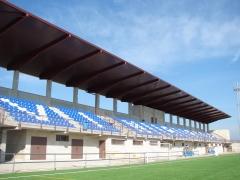 Marquesina en el campo de futbol de vinar�s (castell�n)