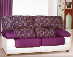 Amplio sofa de 1.95cm. posibilidad de chaiselongue de 2.75cm.gran variedad de telas.