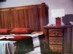 Dormitorio rustico acabado a la cera y barnizado.tapas de 4 centimetros de grosor.