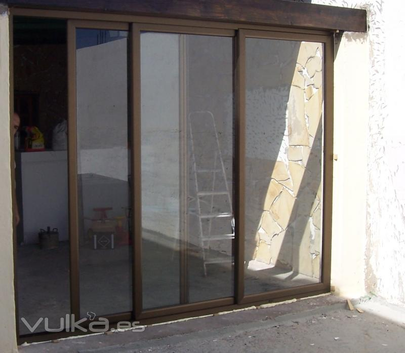 Foto puertas correderas en aluminio y cristal - Puerta corredera de aluminio ...