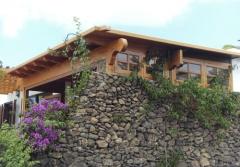 Cerramientos de terraza con madera y aluminio