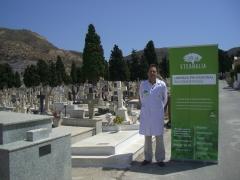 Franquicia de limpieza en cementerios