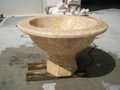 Fuente en mármol crema valencia