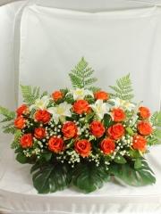 Flores todos los santos. jardinera cementerio rositas y azucenas artificiales oasisdecor.com