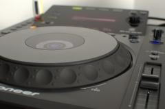 Reproductor de alta calidad, modelo Pioneer cdj 900.