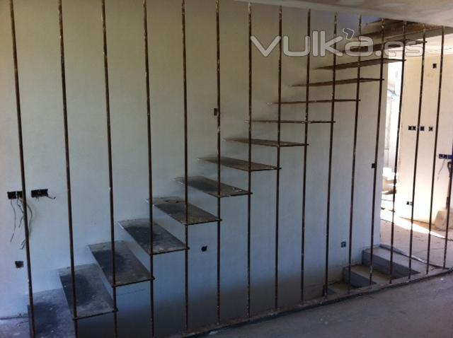 Puertas de garaje enrollables aluminio imitacion madera for Puertas enrollables