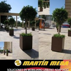 Jardineras metalicas termolacadas en oxicorten.proyecto confegar embellecimiento  ciudad de malaga .