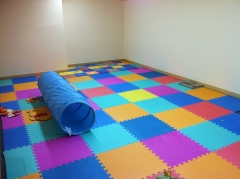 Foto de la sala de psicomotricidad que se utiliza para muchos ejercicios de aprendizaje.
