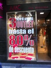 Vinilo promocional tienda ropa zaragoza www.decoraconestilo.es