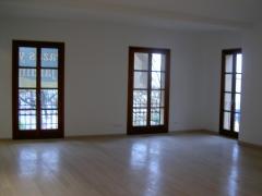 Balconeras perfil europeo en madera de iroko