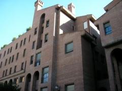 Fachada principal del colegio mayor peñafiel (universidad de valladolid)