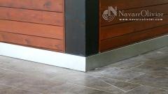 Rodapie perimetral en acero inox para chiringuito