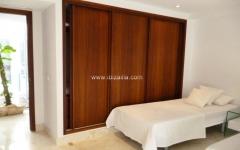 Dormitorio atico minimalista