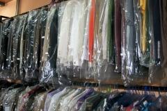 Almacen de ropa, limpia y planchada, lista para entregar