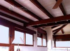 Cerramiento con aislacion eficiente. estructura de madera, cubierta thermochip, cristales climalit