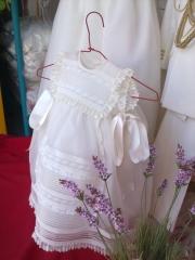 Planchado artesanal vestidos comuni�n y bautismo