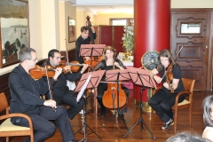 Quinteto de cuerda de moscu en actuacion en club cde regatas de gijon
