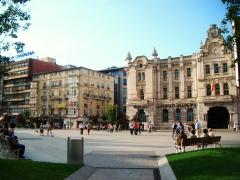 Nuestro centro est� en el edificio de caja cantabria, junto al ayuntamiento.