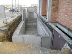 Càlcul i dimensionat dipòsits soterrats formigó de recuperació aigües pluvials edifici plurifamiliar
