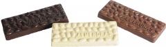 Barra de 300g de chocolate blanco, negro o  leche con almendras.