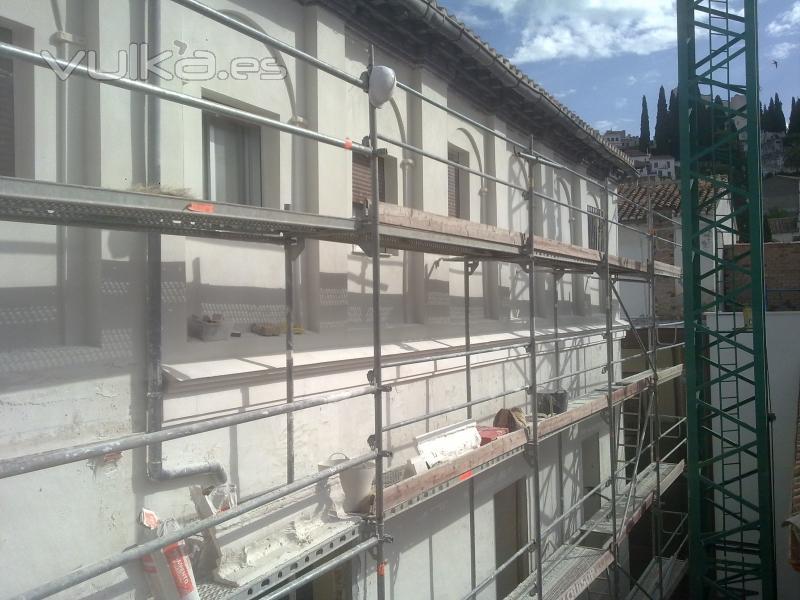 Foto remodelaci n fachadas for Saneamientos granada