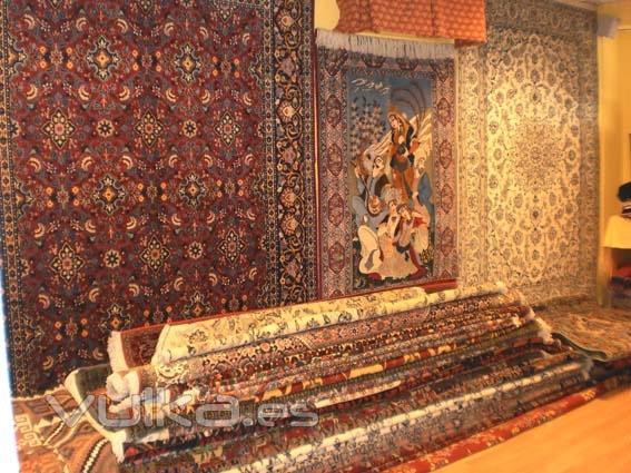 Foto de la casa de las 1001 alfombras foto 4 for Alfombras persas madrid