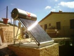 Calentador SOLAR t�rmico UNIVERSAL ENERGY en Tarragona 2011
