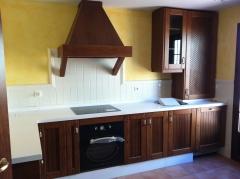 Mueble de cocina en madera de roble
