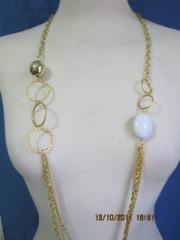 Collar color oro suave largo , liquidacion 1.6 euros