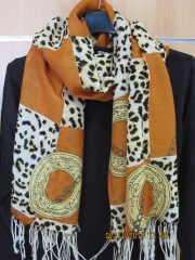 Pashmina de 100% lana de muy buena calidad , liquidacion 5 euros