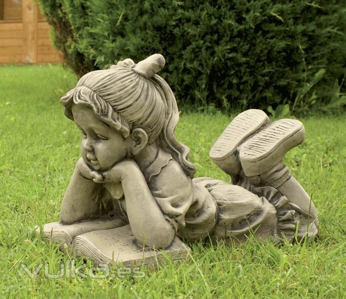 Foto figuras de jardin ni a leyendo 36x50cm 63eur for Figuras para jardin