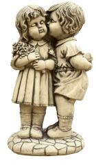 Figuras de jardin beso 65x36cm. 85eur