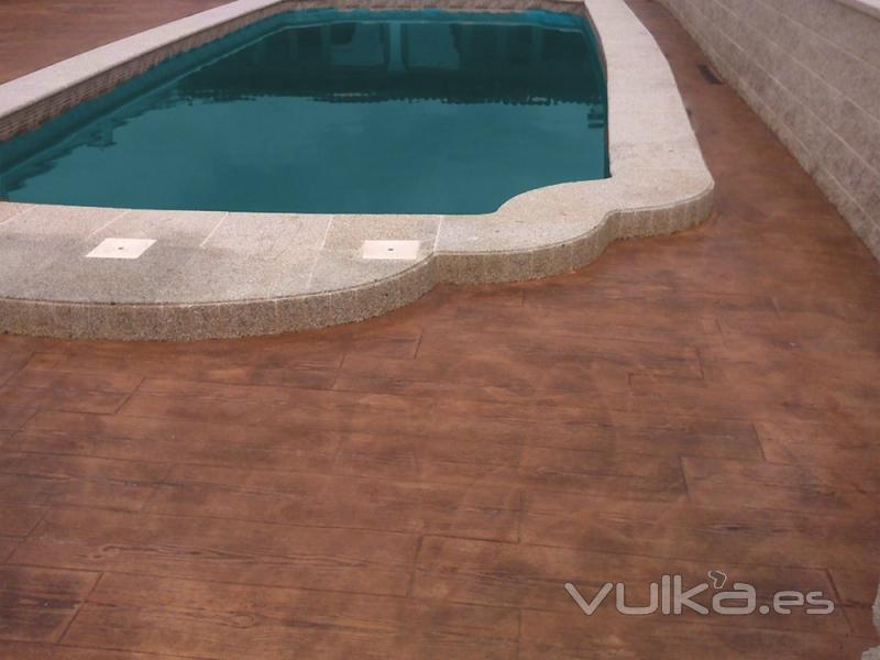 Foto hormig n impreso molde madera ideal para piscinas for Hormigon impreso para piscinas