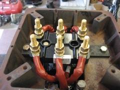 Motor electrico. detalle de caja y placa de bornes