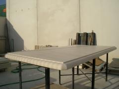 Mesa en crema marfil de 7 cm de espesor