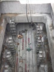 Encofrados; Ejecuci�n de pilares con encofrados circulares para arquitectura interior de pozo.