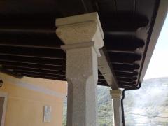 Capitel sobre columna